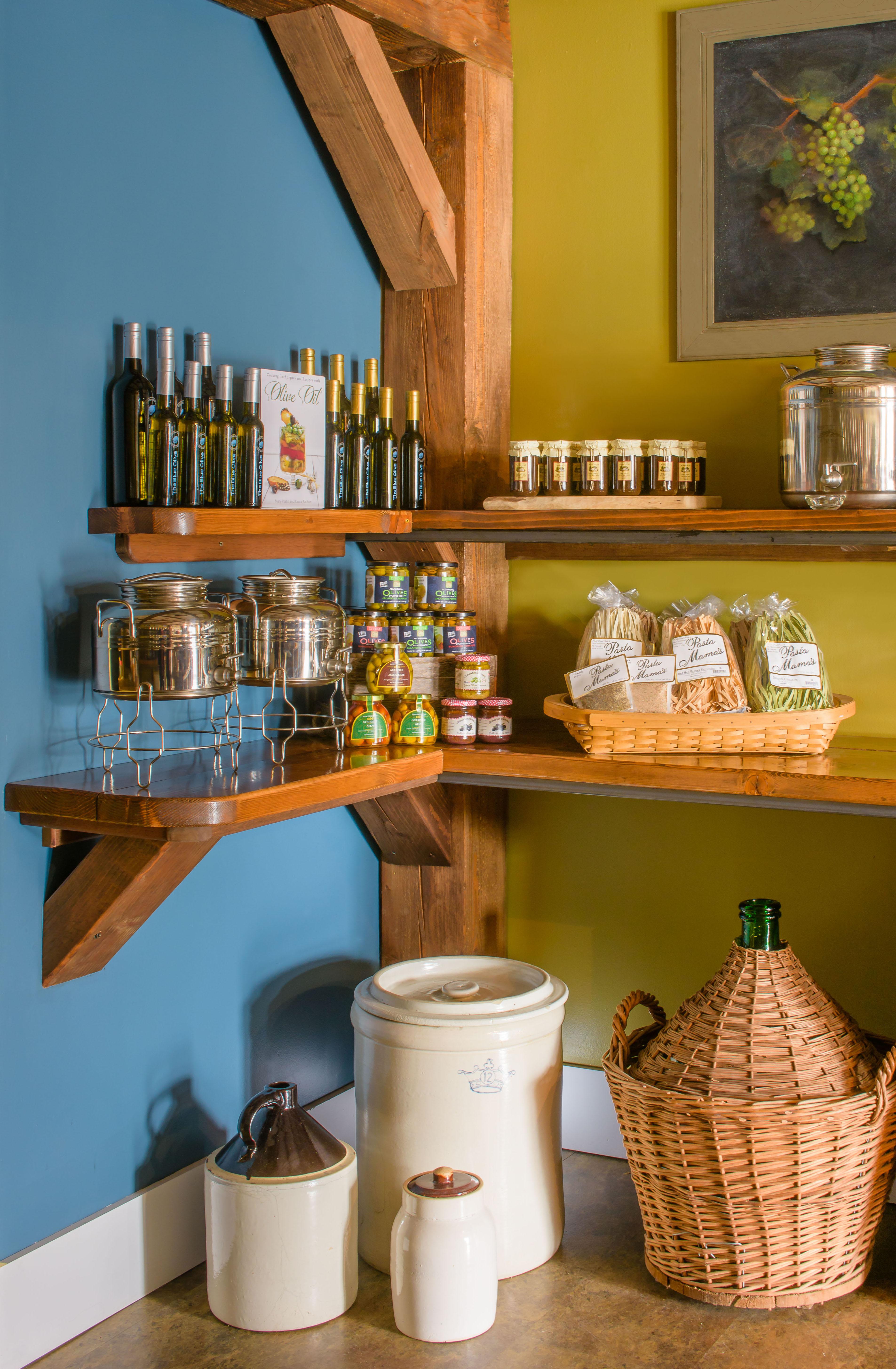 Blue Olive Pawling corner