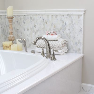 Sherman Hers Bath tub